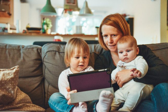 How does child custody work in Australia?