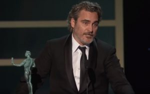 SAG Awards: Joaquin Phoenix pays tribute to Heath Ledger